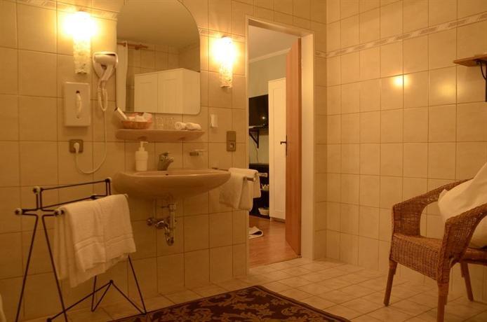 hotel altes sudhaus aschaffenburg compare deals. Black Bedroom Furniture Sets. Home Design Ideas