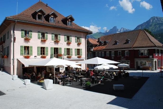 hotel de ville chateau d 39 oex switzerland compare deals. Black Bedroom Furniture Sets. Home Design Ideas