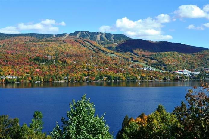 Hotel du lac mont tremblant compare deals for Lac miroir mont tremblant