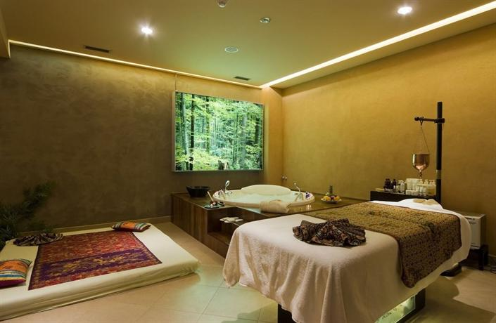 Life design hotel belgrade compare deals for Design hotel belgrade