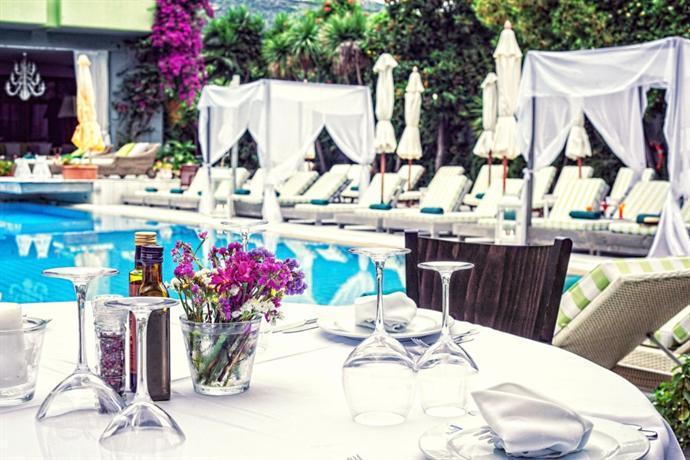 La piscine art hotel philian hotels and resorts skiathos for Art piscine hotel skiathos