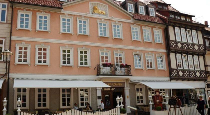 Hotel zum lowen duderstadt compare deals for Designhotel duderstadt