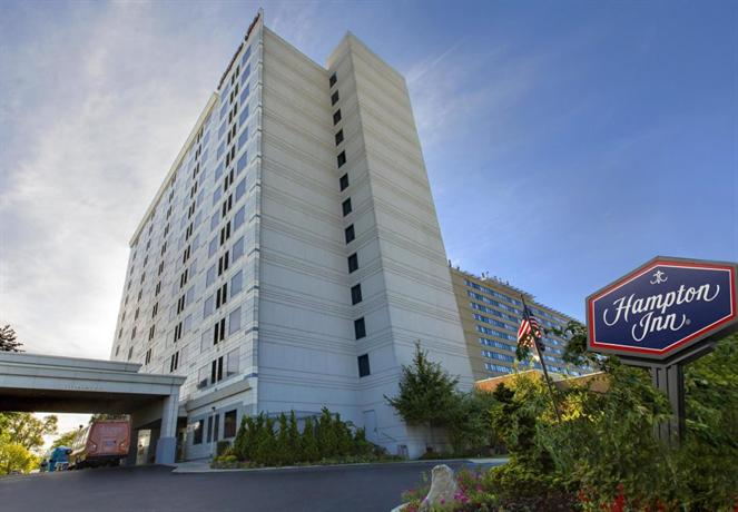 Hampton inn ny jfk jamaica queens new york city compare for Hotels near jf kennedy airport