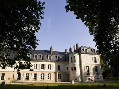 chateau saint just belle eglise compare deals. Black Bedroom Furniture Sets. Home Design Ideas