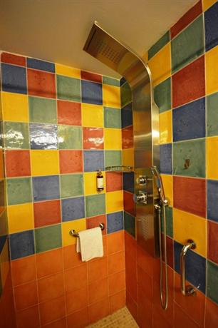 Casa de los azulejos cordoba compare deals for Casa azulejos cordoba