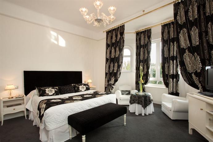 hotel barriere le westminster le touquet compare deals. Black Bedroom Furniture Sets. Home Design Ideas