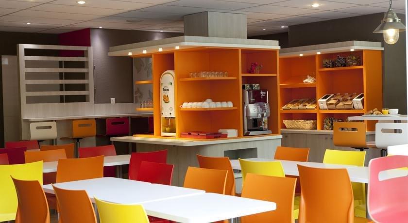 premiere classe roissy villepinte parc des expositions compare deals. Black Bedroom Furniture Sets. Home Design Ideas