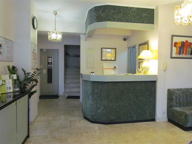 hotel du parc aulnay sous bois compare deals. Black Bedroom Furniture Sets. Home Design Ideas