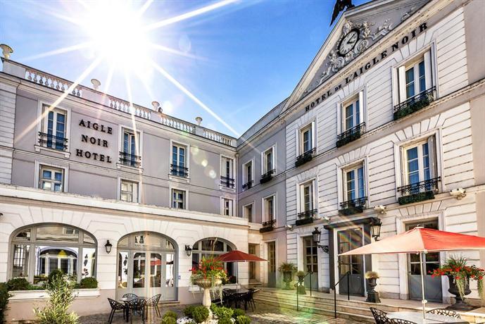 Aigle noir hotel fontainebleau compare deals for Hotel fontainebleau france