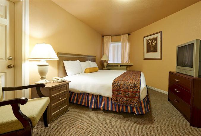 the rita suites las vegas compare deals. Black Bedroom Furniture Sets. Home Design Ideas