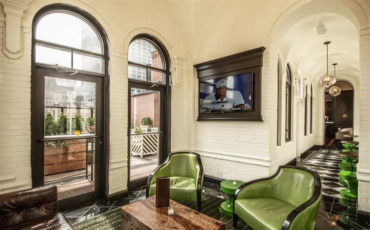 raffaello hotel chicago compare deals. Black Bedroom Furniture Sets. Home Design Ideas
