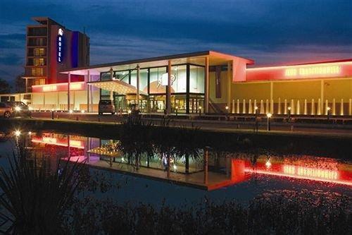 Hotel du pasino saint amand les eaux compare deals - Office du tourisme saint amand les eaux ...
