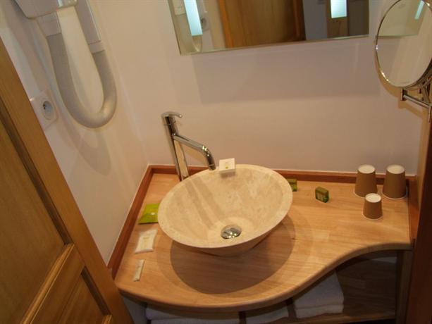 La roseraie hotel villard de lans compare deals - Villard de lans piscine ...