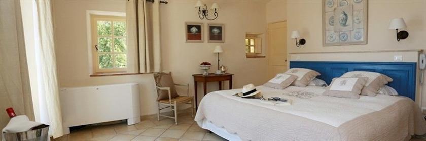 Abbaye de sainte croix salon de provence compare deals for Abbaye de sainte croix salon