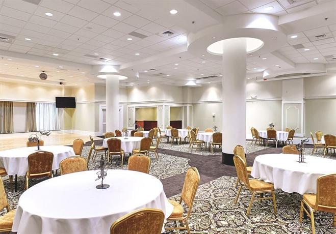 Wyndham Garden Hotel Baronne Plaza New Orleans Compare Deals