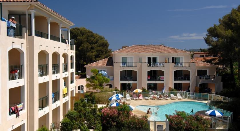 Aryana hotel six fours les plages compare deals for Comparer les hotels