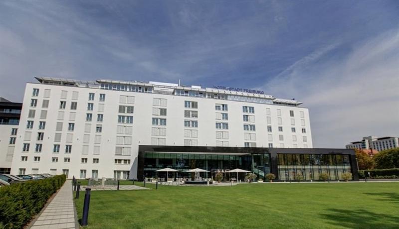 Hotel stadt freiburg freiburg im breisgau compare deals for Freiburg design hotel