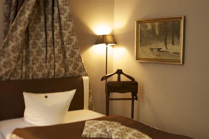 hotel alte galerie am kudamm hotels berlin. Black Bedroom Furniture Sets. Home Design Ideas