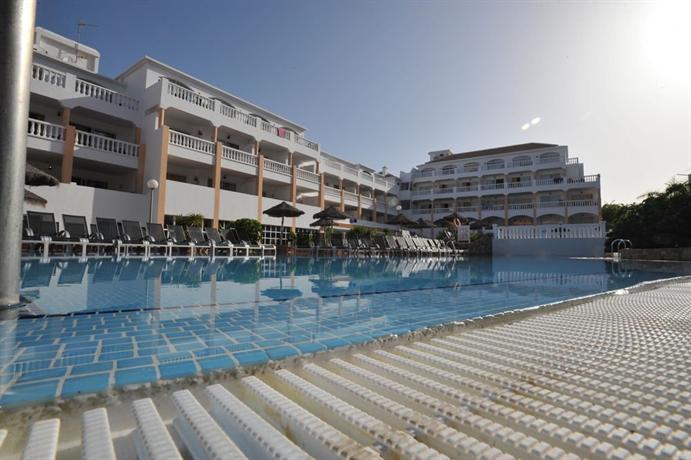 Apartamentos marola portosin playa de las americas compare deals - Apartamentos baratos playa de las americas ...
