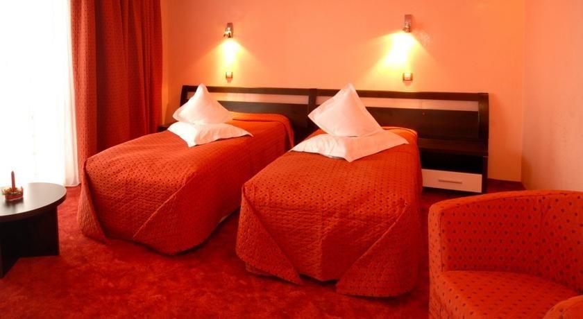 hotel pantex brasov essay Hotel q brasov hotel de 3 stele hotelul q braşov oferă o locaţie liniştită în braşov, la numai 5 minute de mers cu maşina de centrul oraşului şi de gară.