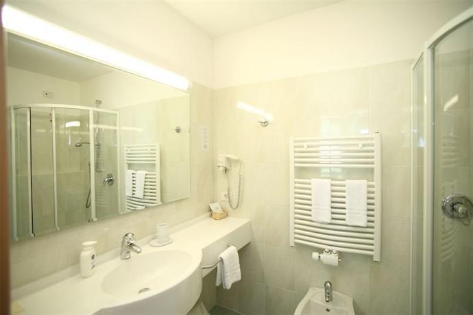 Hotel bagni di salomone rasen antholz die g nstigsten - Hotel bagni di salomone ...