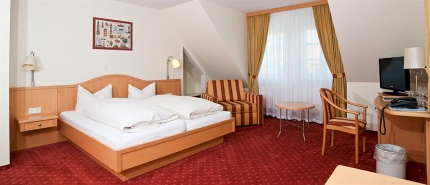Hotel Witthus Kattrepel    Krummhorn Greetsiel  Krummhorn