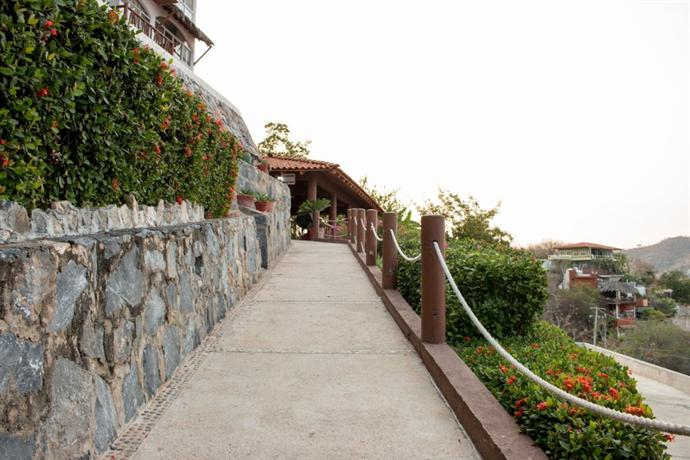 Villas el morro hotels ixtapa zihuatanejo for Villas el morro
