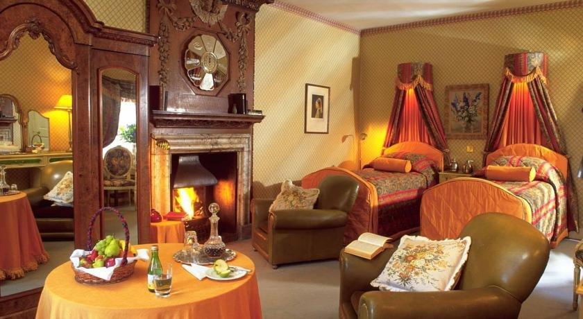 Roman Camp Hotel Restaurant Deals