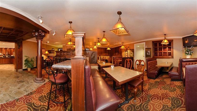 Comfort suites corvallis comparez les offres for 9th street salon corvallis