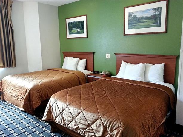 Econo Lodge Inn & Suites Peoria