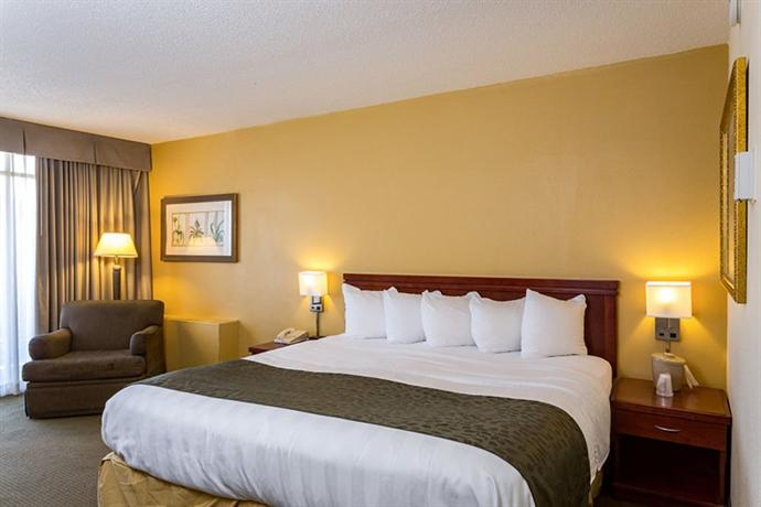 GrandStay Hotel & Suites Milwaukee