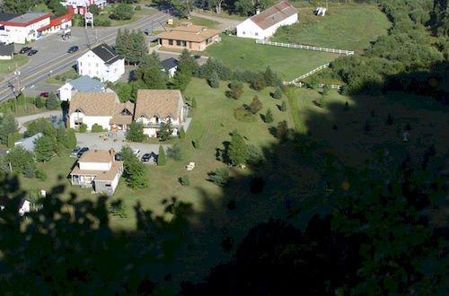Auberge du jardin petit saguenay compare deals for Auberge du jardin