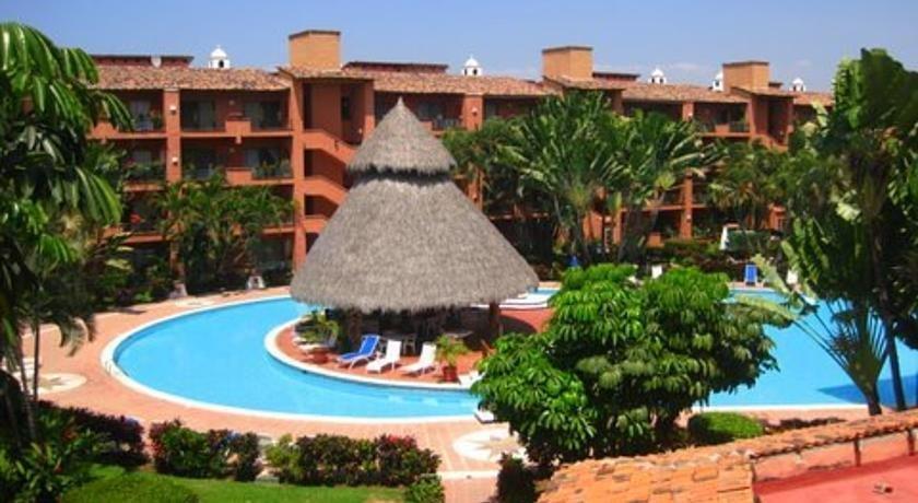 Puesta del sol 2304 puerto vallarta compare deals for Centro turistico puesta del sol