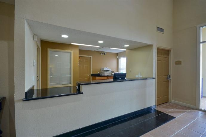 Crestwood Suites Houston 290-Galleria