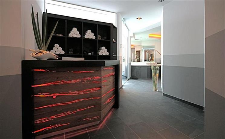 nixe designhotel binz compare deals. Black Bedroom Furniture Sets. Home Design Ideas