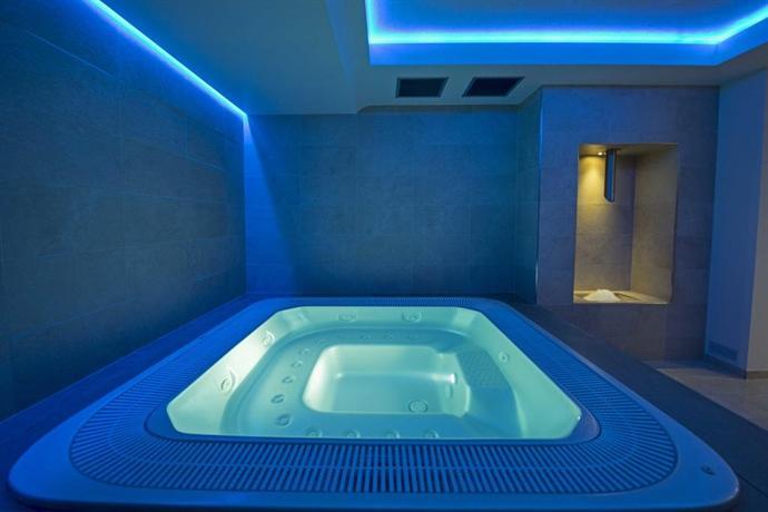 hotel monaco caorle offerte in corso. Black Bedroom Furniture Sets. Home Design Ideas