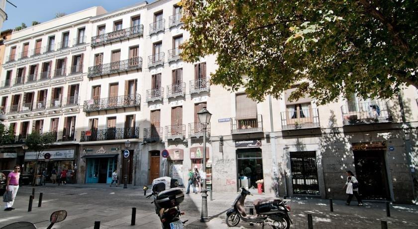 Apartamentos centro historico madrid akci k s - Centro historico de madrid ...