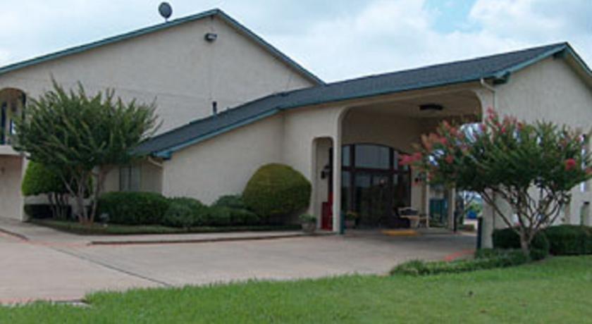 Spanish Trails Inn Lancaster Texas