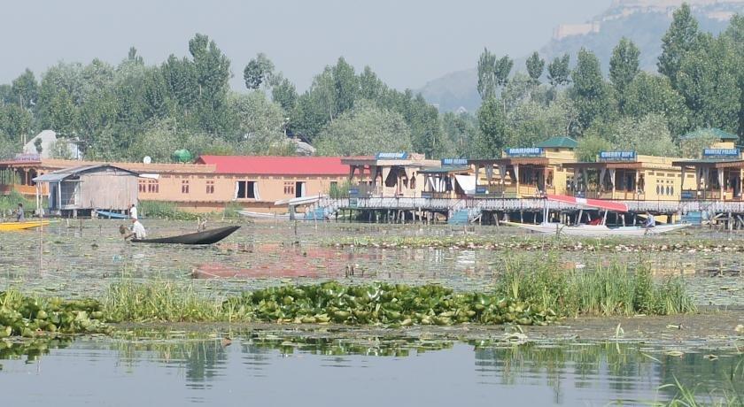 golden hopes group of houseboats  srinagar offerte in corso