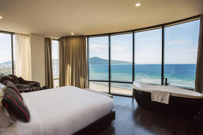 About Holiday Beach Danang Hotel Resort