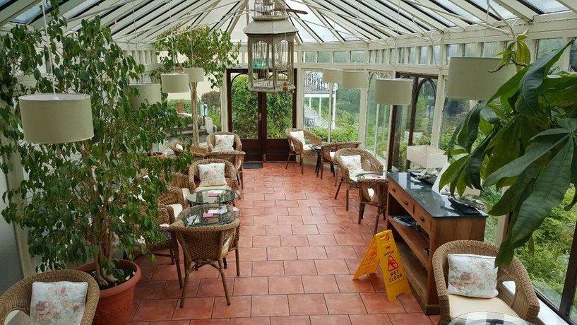 Llanwenarth Hotel And Riverside Restaurant