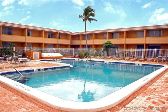 punta gorda waterfront hotel suites compare deals. Black Bedroom Furniture Sets. Home Design Ideas