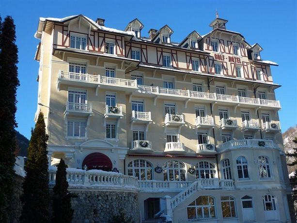 Golf hotel brides les bains compare deals for Comparer les hotels
