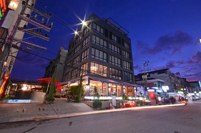 Phuket Guest Friendly Hotels - The Lantern Resorts Patong