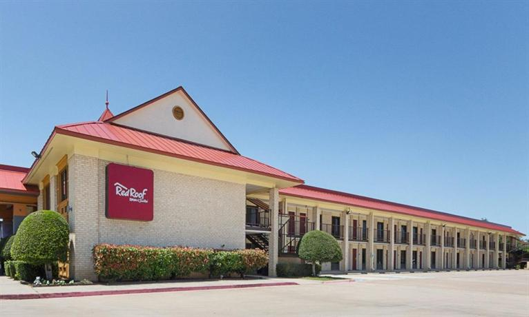 Red Roof Inn & Suites Addison