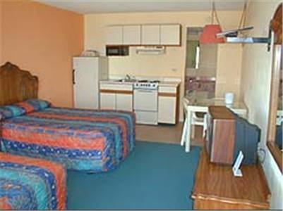 About Ocean Plaza Motel