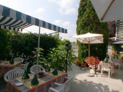 Hotel Le Pan De Bois, Breviandes Compare Deals # Hotel Le Pan De Bois