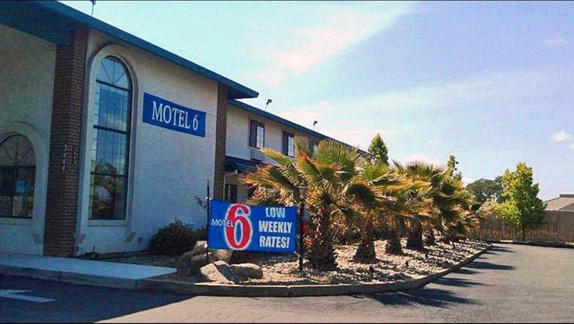 Motel 6 Cameron