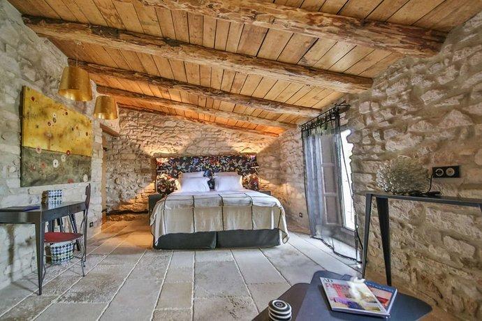 la maison du passage saint cesaire de gauzignan compare deals. Black Bedroom Furniture Sets. Home Design Ideas