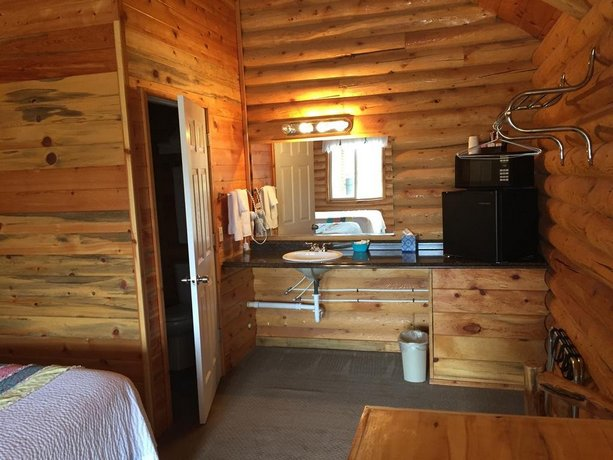 Bryce canyon log cabins tropic compare deals for Bryce canyon cabine occidentali
